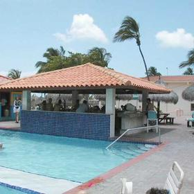 Aruba Beach Club - outdoor pool and bar