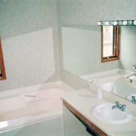 Eaglewood at Ruttger's Sugar Lake Lodge - Unit Bathroom