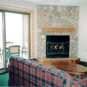 Eaglewood at Ruttger's Sugar Lake Lodge - Unit Living Area