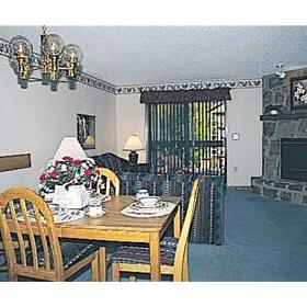 Tree Tops Resort of Gatlinburg - Unit Dining Area