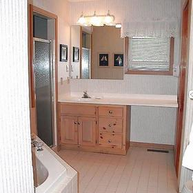 The Village at Izatys - Unit Master Bath
