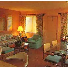 Enchanted Isle Resort - Unit Living Area