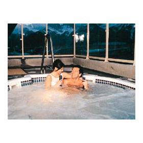 Whirlpool at Chateau Canmore Quality Resort