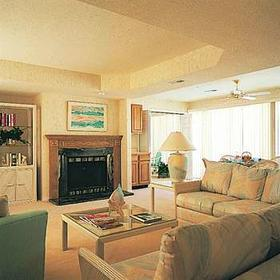 Room at the Four Seasons Racquet & Country Club
