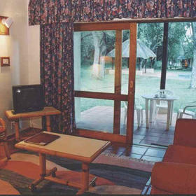Sudwala Lodge - Unit Living Area
