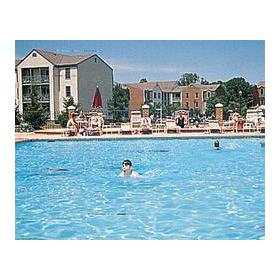 Wyndham Kingsgate - outdoor pool
