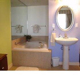 Jacuzzi in 1BR Unit