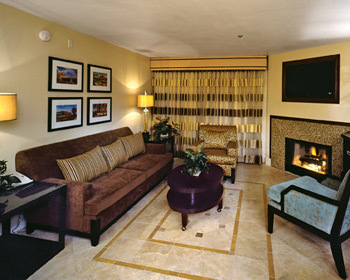 Desert Club Resort - living room