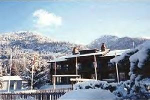 Snow Lake Lodge