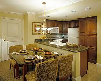 HGVC on the Las Vegas Strip - Unit Kitchen & Dining Area